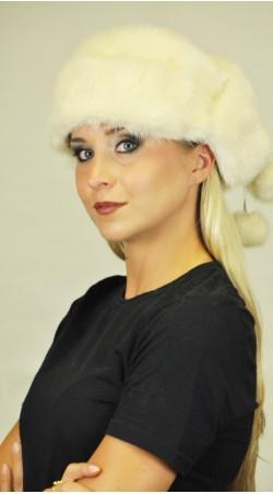 Cappello in visone bianco-crema con paraorecchie
