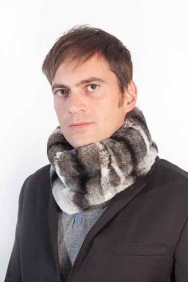 nuovo prodotto cef55 8b5fe Scaldacollo in autentica pelliccia anche per l'uomo elegante