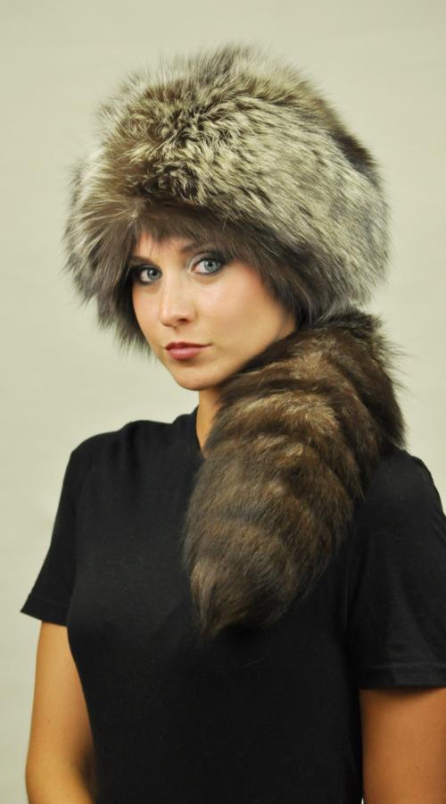 Pertanto se siete interessati all acquisto di un cappello in autentica e  pregiata volpe consigliamo di rivolgervi presso la vostra pellicceria di  fiducia o ... 91178cae7f7f