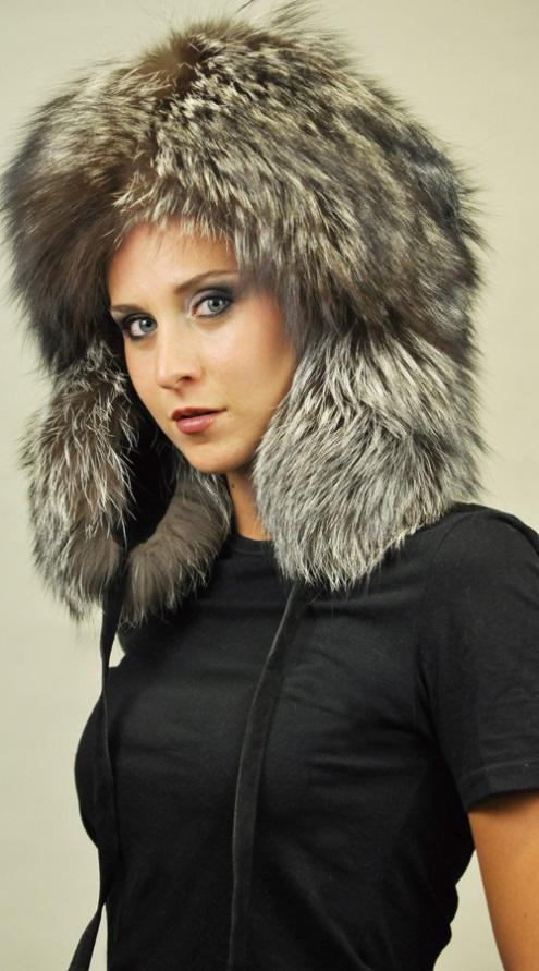 Il cappello di vera pelliccia. Il colbacco per proteggersi dal freddo 7d2495d8204a