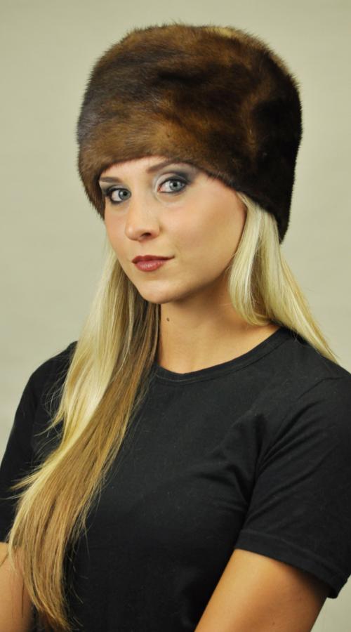 Il cappello in pelliccia di visone 5fa1140e66e0