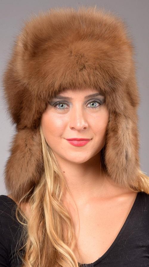 Il cappello in pelliccia in stile russo non solo per uomo. 3490fa83d361