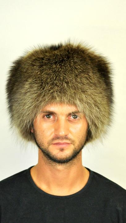 Nello store amifur.it troverete una selezione di cappelli in pelliccia  naturale per uomo 4564324615dd
